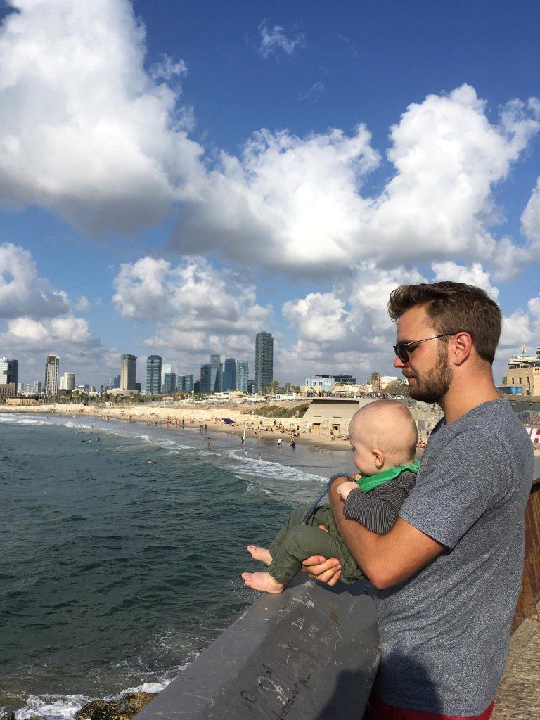 Adam og Severin i Tel Aviv